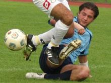 Romain Andr鑣 ici face � l'UST Bischwiller en octobre 2006 et le FC Mothern savent � quoi s'en tenir.