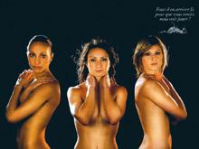 Sarah Bouhaddi, la gardienne, Ga雝ane Thiney et Corinne Franco, trois des joueuses de l掗quipe de France qui ont accept� de se pr阾er au jeu de cette campagne de communication autour de l掗quipe de France f閙inine.