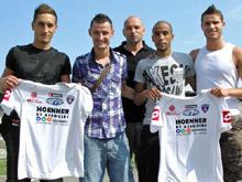 Une partie des nouvelles recrues du FC Mulhouse : Neil Za飁n, Melvud Cuskic, Laurent Croci, Abdel Moukhlil et Farid Soltani.