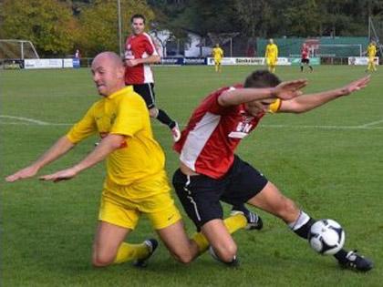 Serge Heinrich (en jaune) sera le capitaine du FC Rastatt 04 ce jeudi soir au Festifoot de Mothern.
