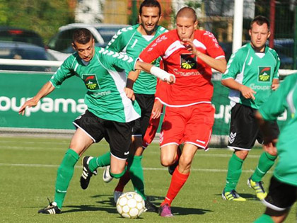 Abdelhak Belhameur (� gauche) et les Schilikois reprennent le chemin des terrains, un peu plus d抲n mois apr鑣 leur succ鑣 en Coupe d扐lsace face � Saint-Louis.
