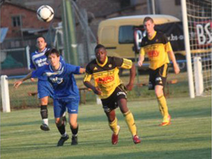 AS Pierrots Vauban Strasbourg - SV Linx, deuxi鑝e et dernier match de la premi鑢e journ閑 du Festifoot 2013. // Photo Fr閐閞ic Gomez